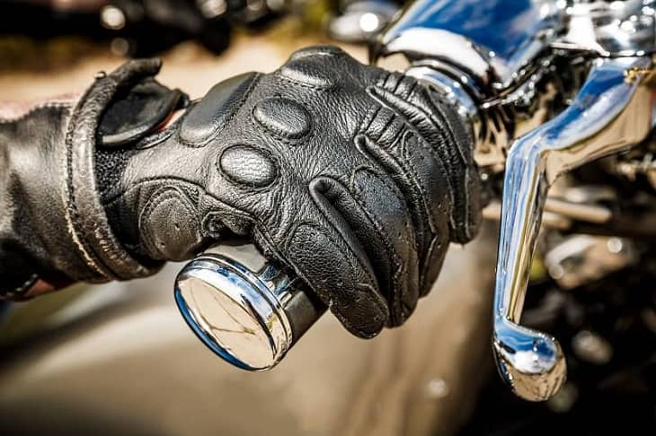 Benefits of Motorcycle Gloves
